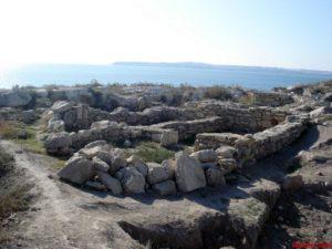 Руины Мирмекия